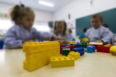 Imagen de archivo de unos niños en el aula. Crédito: EFE/Óscar Corral